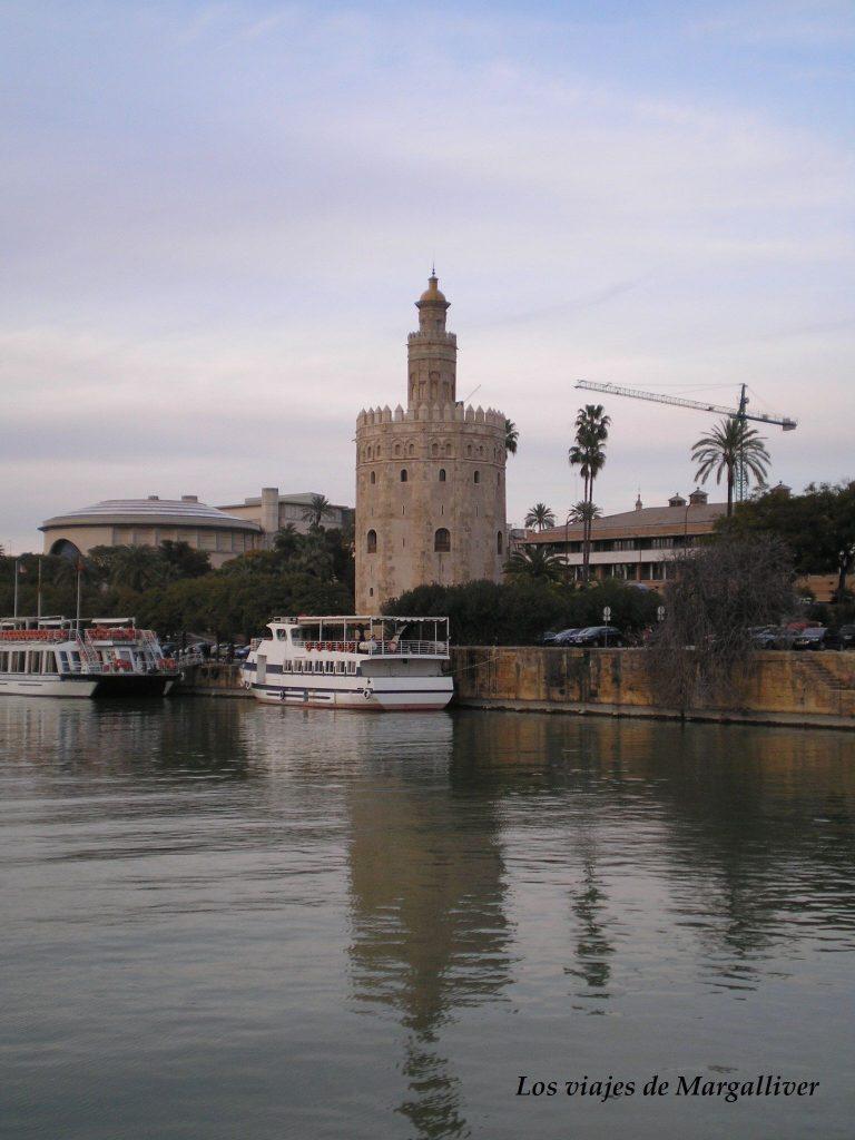 Torre del oro , ruta por Sevilla - Los viajes de Margalliver